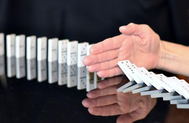 domino-665547_1280